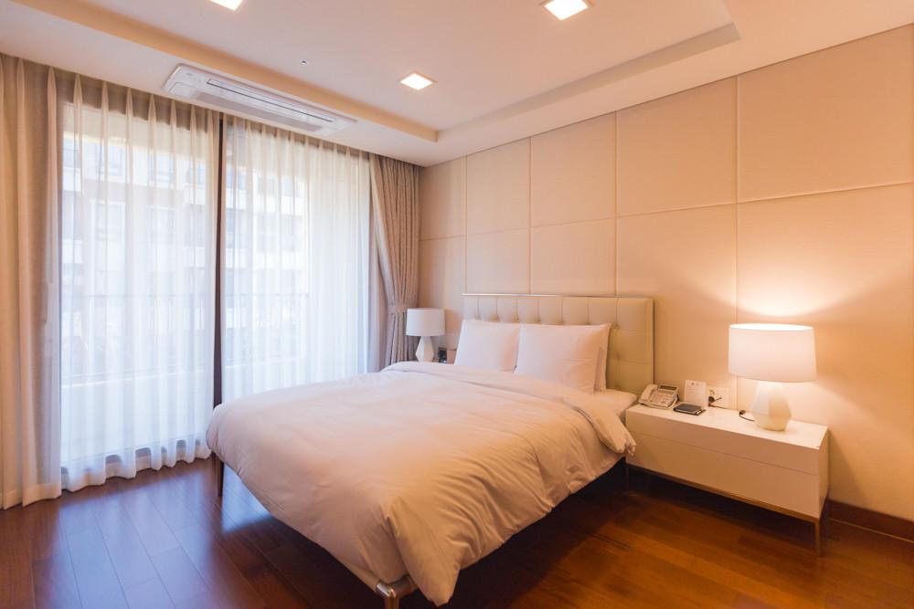 这座酒店也是济州岛上最大的酒店之一.
