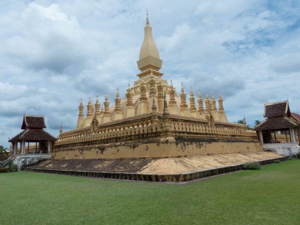 老挝的佛教和万象佛教公园暨香昆寺-老挝游之三