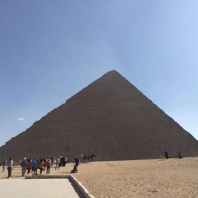 下午去金字塔和购物店