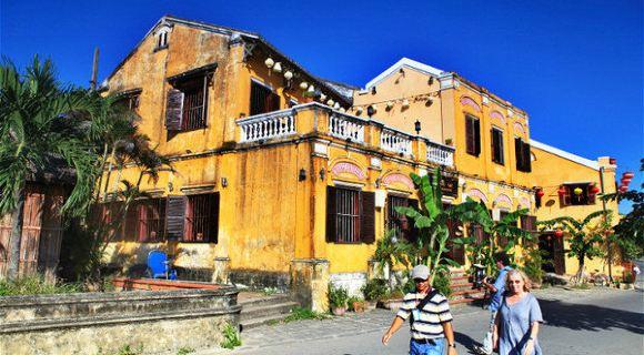 越南装修房屋外墙瓷砖二楼