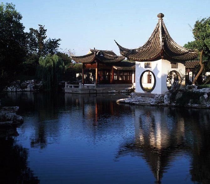 苏州静思园酒店与静思园仅一墙之隔,为民营企业家陈金根的私家园林.图片