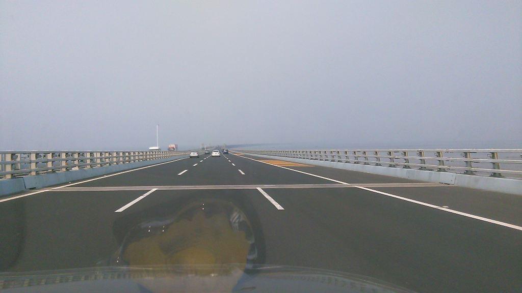 全长超过我国杭州湾跨海大桥和美国切萨皮克湾跨海大桥,是当今世界上