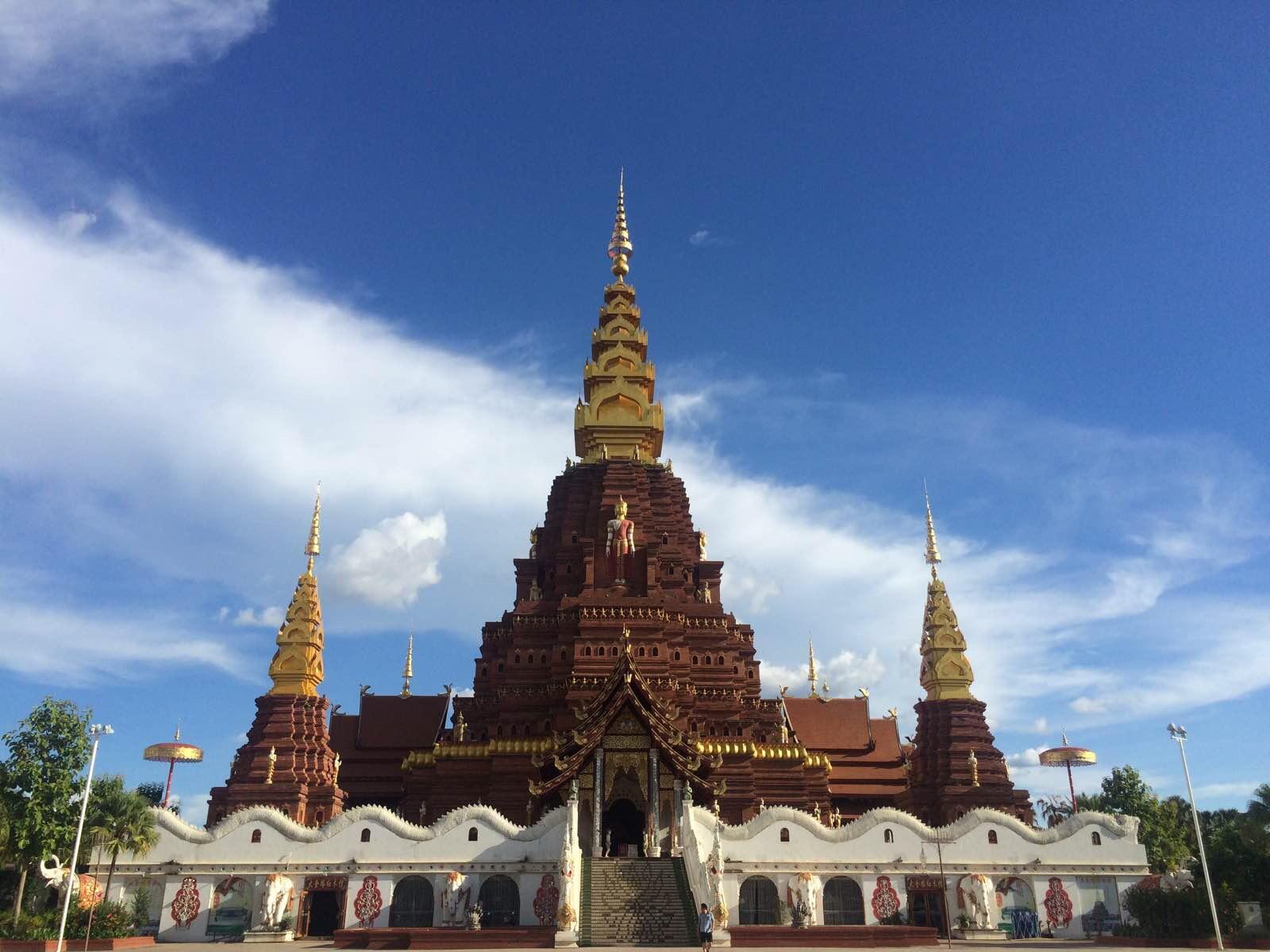 第一眼以为这里是泰国的请举手