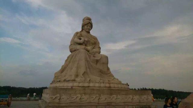水乡雕塑工艺品