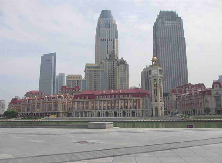 天津火车站站前广场