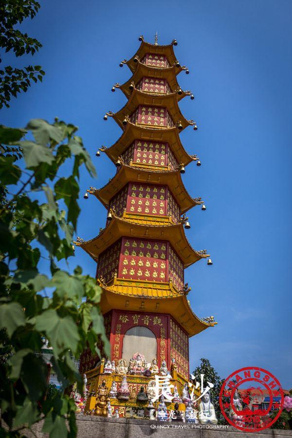 开福寺 千佛塔,上面一排排的佛像让我突然联想到了