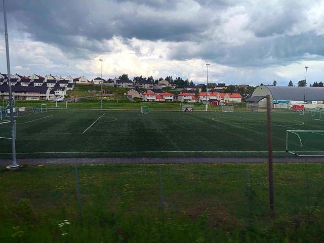 冰岛足球场多少