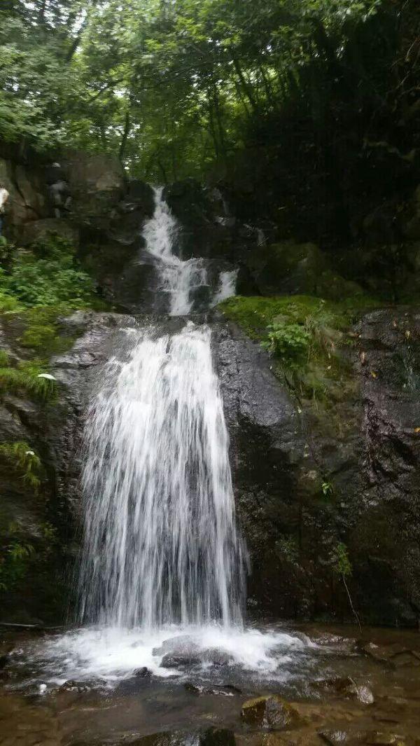 春天来了,我们一起到宁国爬吴越古道,观黑洞瀑布,探寻神秘螺蛳湾