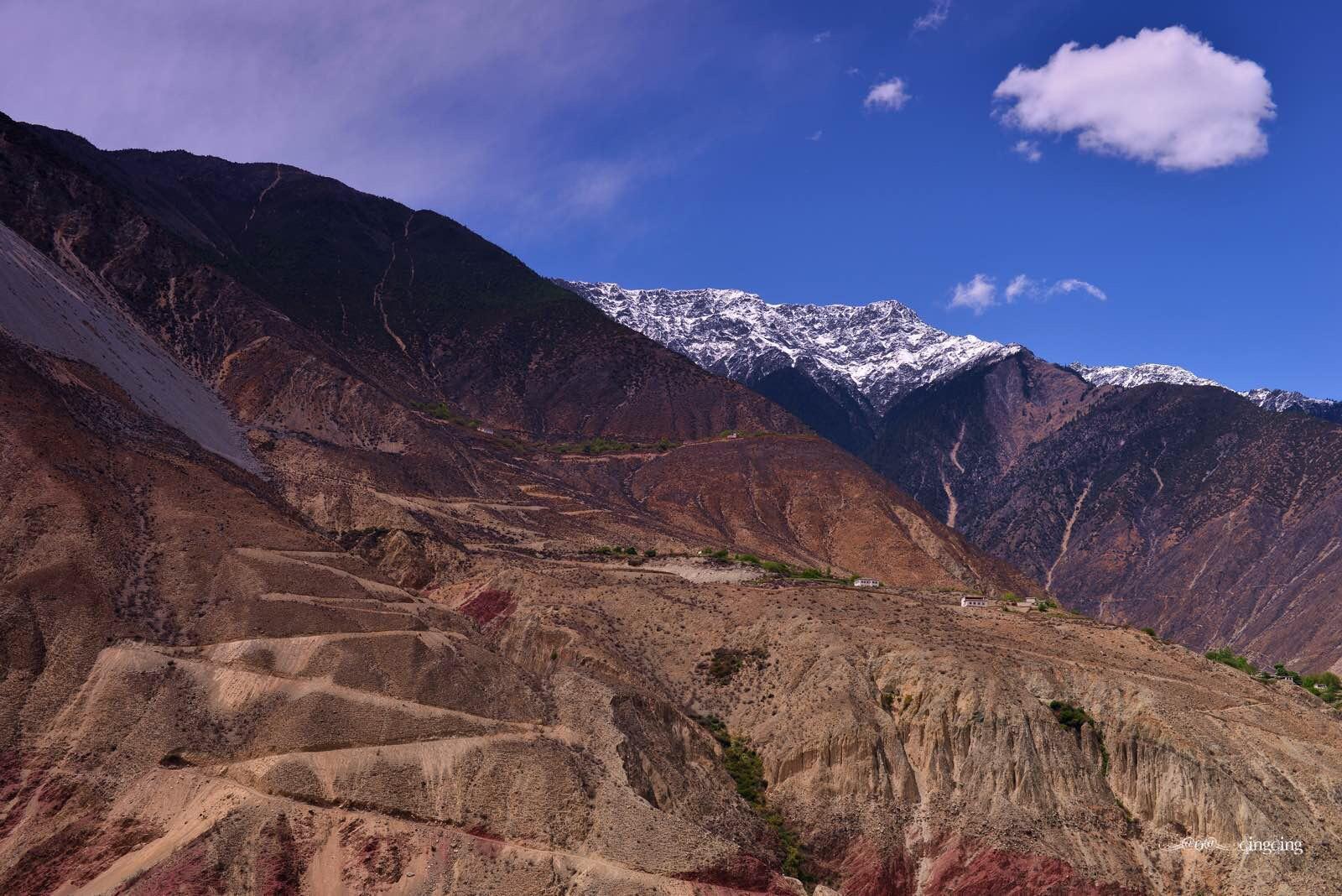 盐井历史上是吐蕃通往南诏的要道,也是滇茶运往西藏的必经之路.