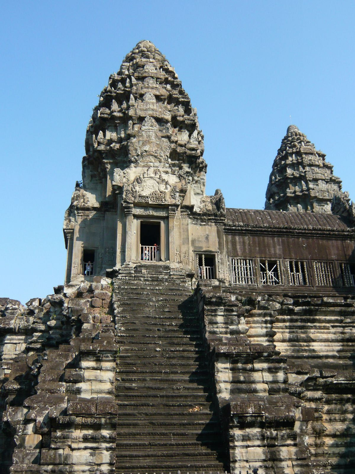 吴哥寺的堂,佛塔及其附属建筑之间军邮均有阶梯