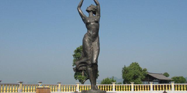 雕塑 640_320