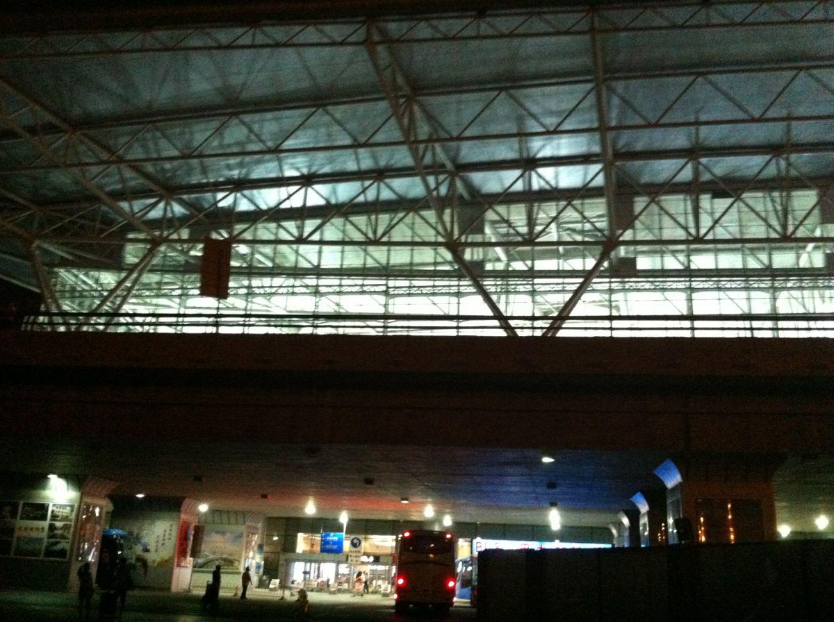 机场航站楼,踏上归程