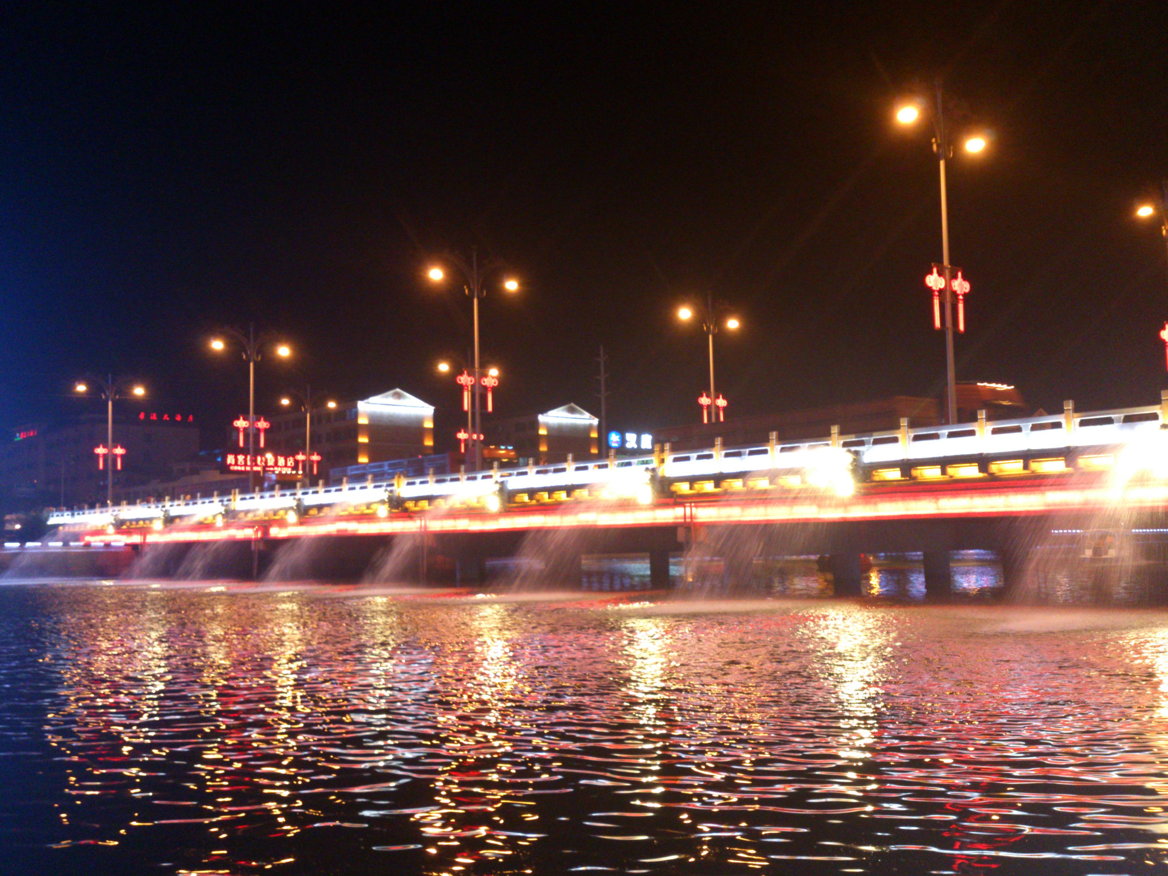 西宁+塔尔寺+青海湖+门源+张掖