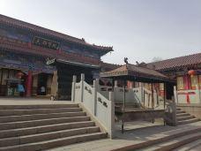 红山公园大佛寺-乌鲁木齐-可爱的小昊子