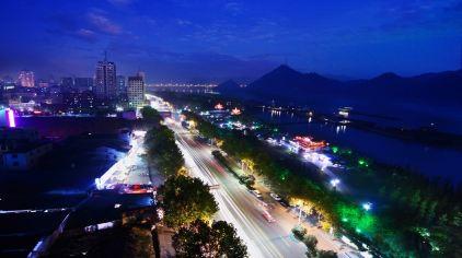 交运长江夜游-滨江公园1