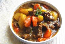 雅加达美食图片-咖喱牛肉