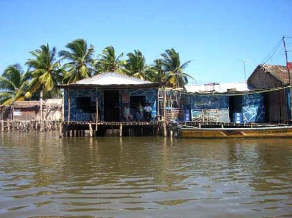 美洲 委内瑞拉 苏利亚州 马拉开波市 - 西部落叶 - 《西部落叶》· 余文博客