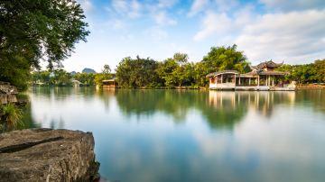 榕湖湖心岛2