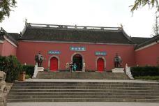 栖霞寺-南京-湖畔水云间